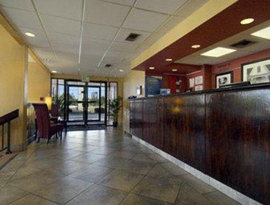 Baymont Inn & Suites Mobile/ I-65: Lobby
