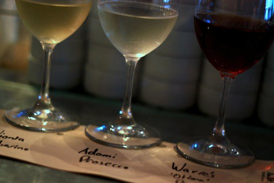 Salt Tasting Room : Wine flight