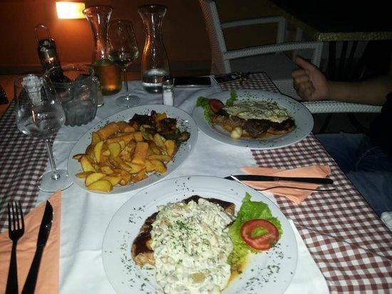 Hotel Porin: Dinner on the terrace