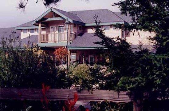 Cambria Pines Lodge: Exterior