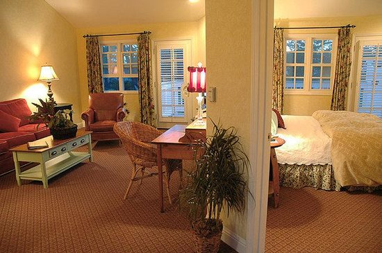 Cambria Pines Lodge: Room