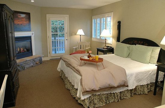 Cambria Pines Lodge : Room