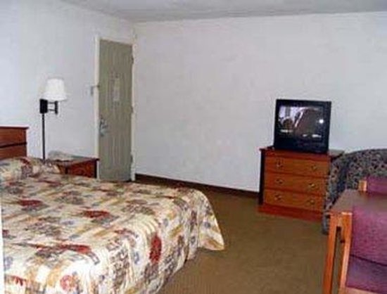 Knights Inn Waco South: Suite