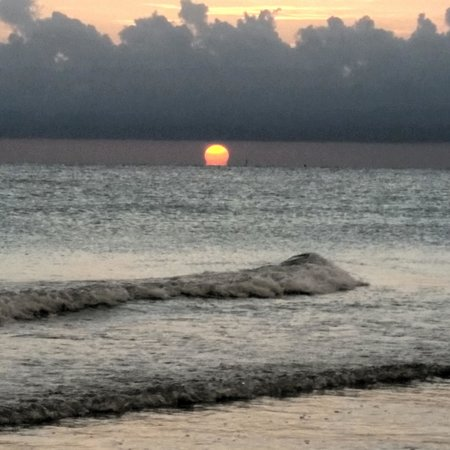 Tropical Beach Resorts : Sunset on Siesta Key