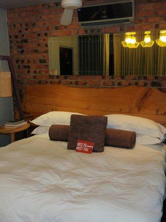 The Concierge Boutique Bungalows: King sized bed