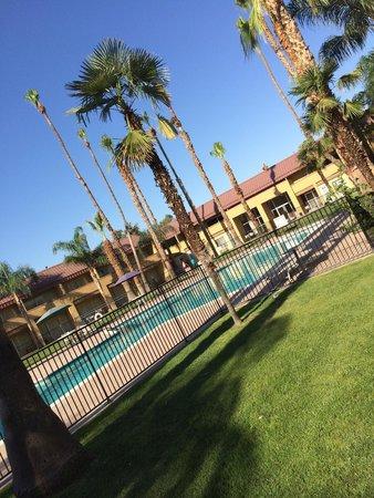 Days Inn Bakersfield: Cette magnifique piscine était indisponible le jour de notre passage.
