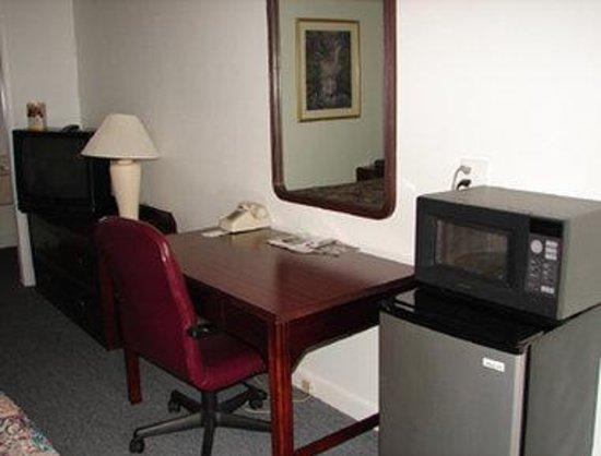 Knights Inn Columbia Northwest : Guest Room
