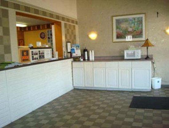 Knights Inn Corbin: Front Desk