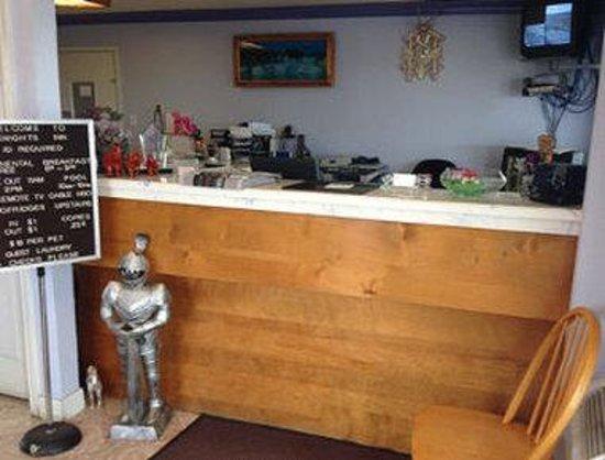 Knights Inn Waco: Front Desk