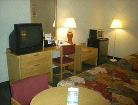 Knights Inn Poconos/Bartonsville: Guest Room