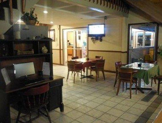 Knights Inn Hot Springs : Business Center