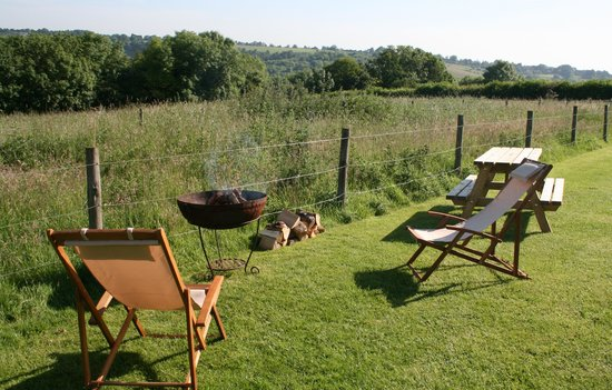Home Farm Caravan and Campsite: Outside the Glamping Tents