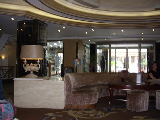 Senator Hotel: Recepcion