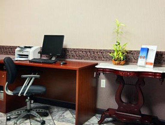Knights Inn Roanoke : Business Center