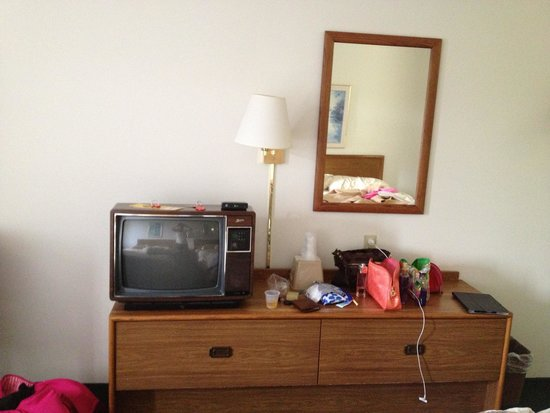 McQuoid's Inn & Event Center: The hotel room