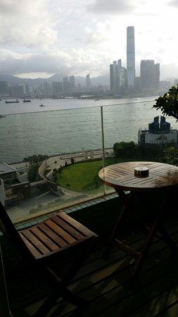 CHI Residences 120: The balcony