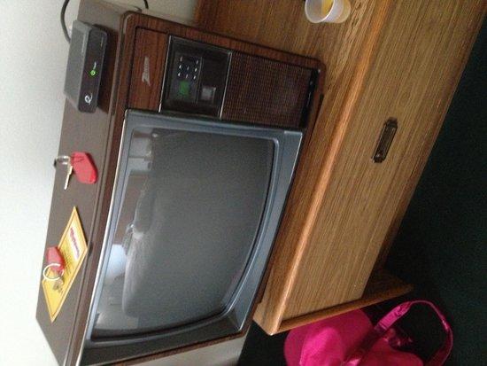 McQuoid's Inn & Event Center : TV