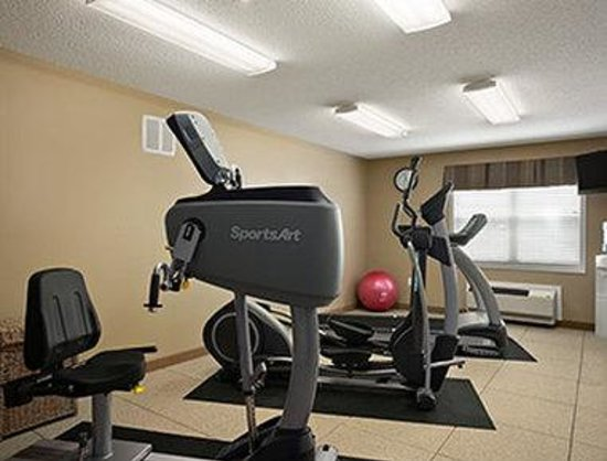 Microtel Inn & Suites by Wyndham Mineral Wells/Parkersburg: Fitness Center