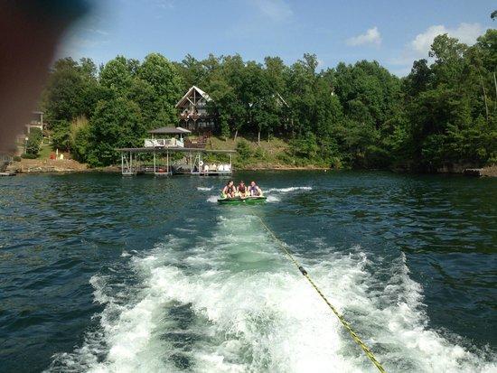 Smith Lake B&B: The Inn as we pull away in Jim's pontoon boat!