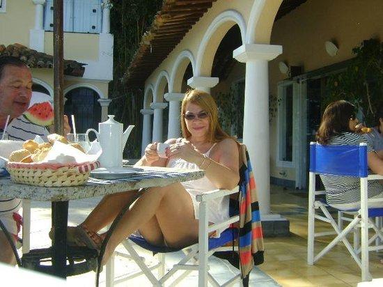 Casagrande Hotel Boutique : al lado de la piscina