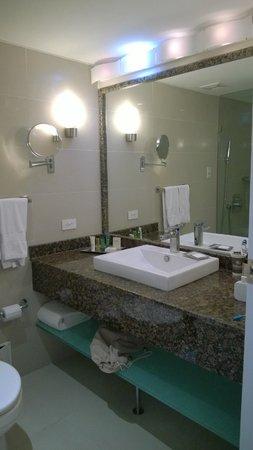 Hilton Cartagena: ban~o