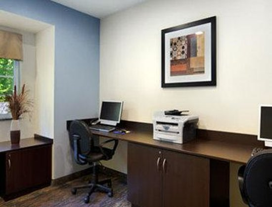 Microtel Inn & Suites by Wyndham Bath: Business Center