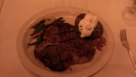 Hy's Steak House - Waikiki: King of T-Bones