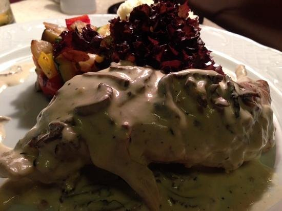 Lipskiy : stewed rabbit in mushroom sauce