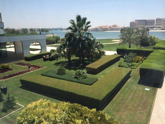 Fairmont Bab Al Bahr: Gardens