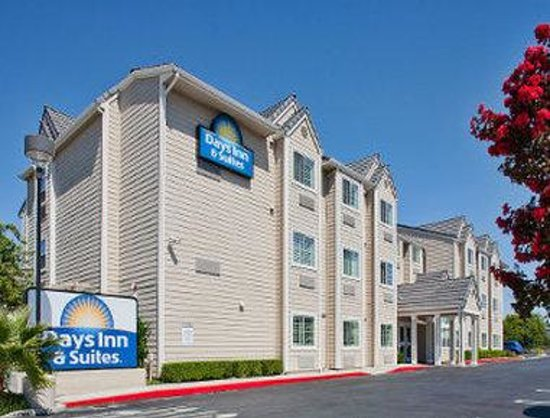 Days Inn & Suites Antioch: Welcome to the Days Inn and Suites Antioch