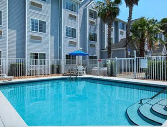 Microtel Inn & Suites by Wyndham Palm Coast: Pool