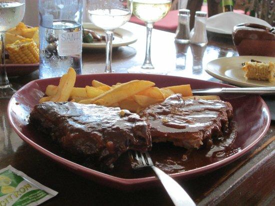 Toro Negro Steakhouse : rack of ribs, yummy