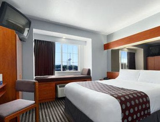 Microtel Inn & Suites by Wyndham Garland/Dallas: Standard Queen Bed Room