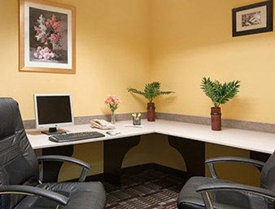 Days Inn & Suites Spokane Airport Airway Heights : Business Center