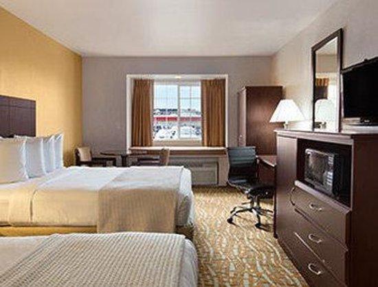 Days Inn & Suites Spokane Airport Airway Heights: Standard 2 Queen Room