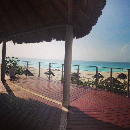 Sunset Royal Beach Resort: Yoga hut