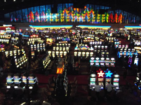 Seneca Niagara Resort & Casino: Casino view from upper level