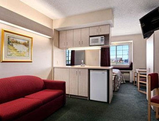 Microtel Inn & Suites by Wyndham Amarillo: Suite