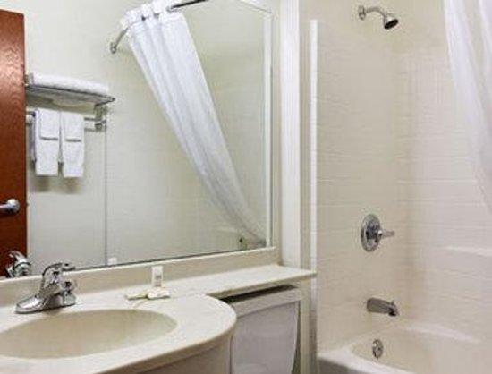 Wellton, AZ : Bathroom