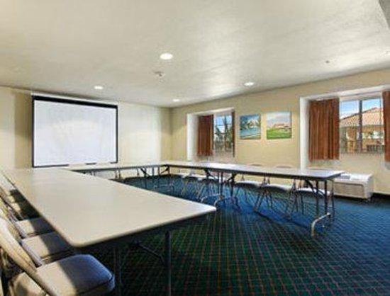 Microtel Inn & Suites by Wyndham Wellton: Meeting Room