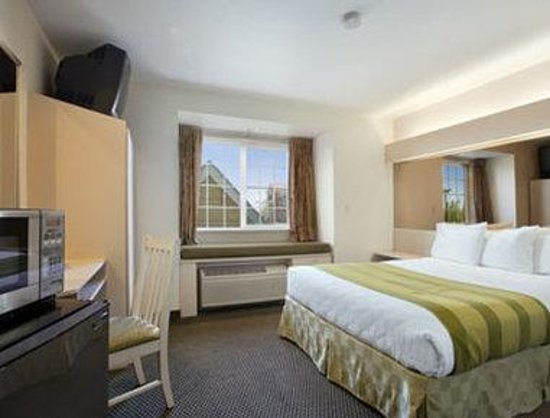 Microtel Inn & Suites by Wyndham Lodi/North Stockton: Standard Queen Bed Room