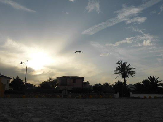 Hotel Abbaruja: At the beach