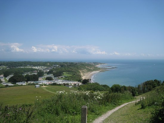 Warner Leisure Hotels Bembridge Coast Hotel: View from top of white cliff bay
