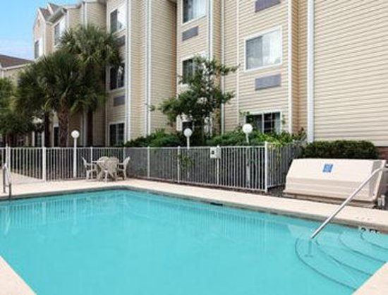 Microtel Inn & Suites by Wyndham Ocala: Pool