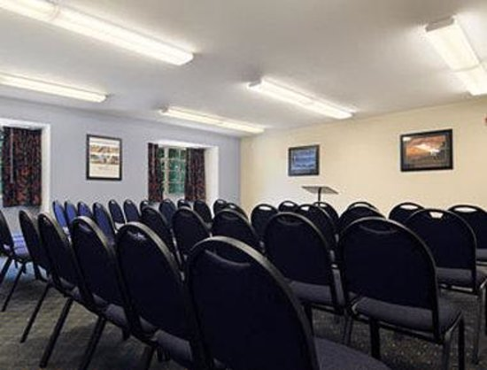 Microtel Inn & Suites by Wyndham Conyers Atlanta Area: Meeting Room