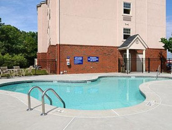 Microtel Inn & Suites by Wyndham Conyers/Atlanta Area: Pool