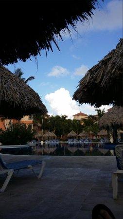 Grand Bahia Principe Punta Cana : Pool in early morning