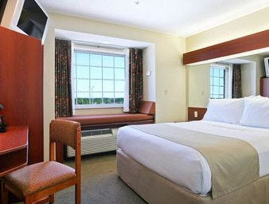 Microtel Inn & Suites by Wyndham Hattiesburg: Standard Queen Bed Room