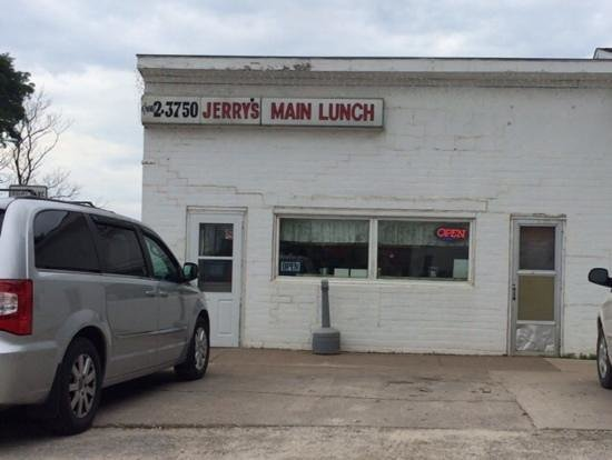 Jerry's Main Lunch: unpretentious building holds good food and friendliness