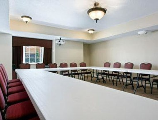 Microtel Inn & Suites by Wyndham Hattiesburg: Meeting Room